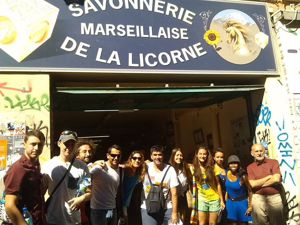 Destination-Langues-Marseille-Students-at-La-Savonnerie-de-la-Licorne